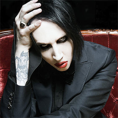 Marilyn Manson no pagou para ex-membro da banda
