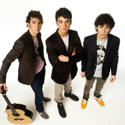 Jonas Brothers fazem show em loja da Apple